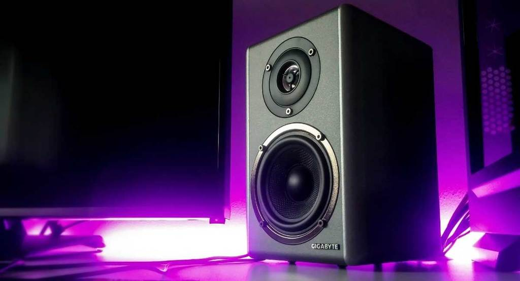 5 of the Best Speakers for Metal Music You Can Buy [2021]